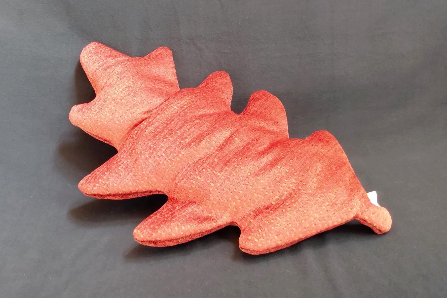 Kissen Handarbeit Eichenlaub Rot